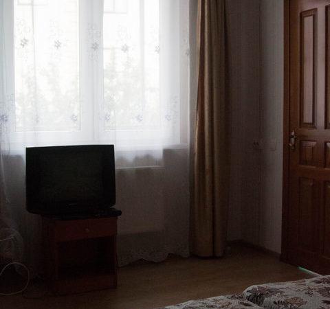Двухкомнатный четырехместный номер с отдельным входом, 2 этаж