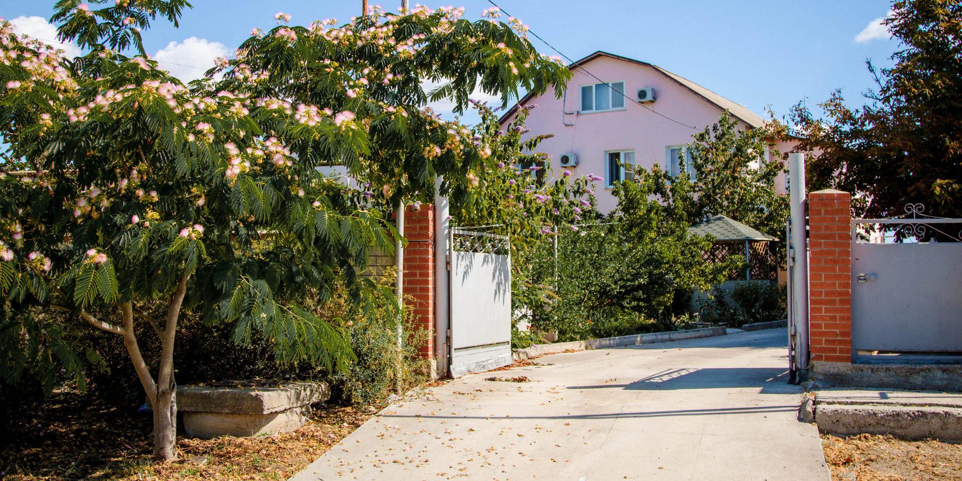 Гостевой дом на Грина, 50 в Береговом